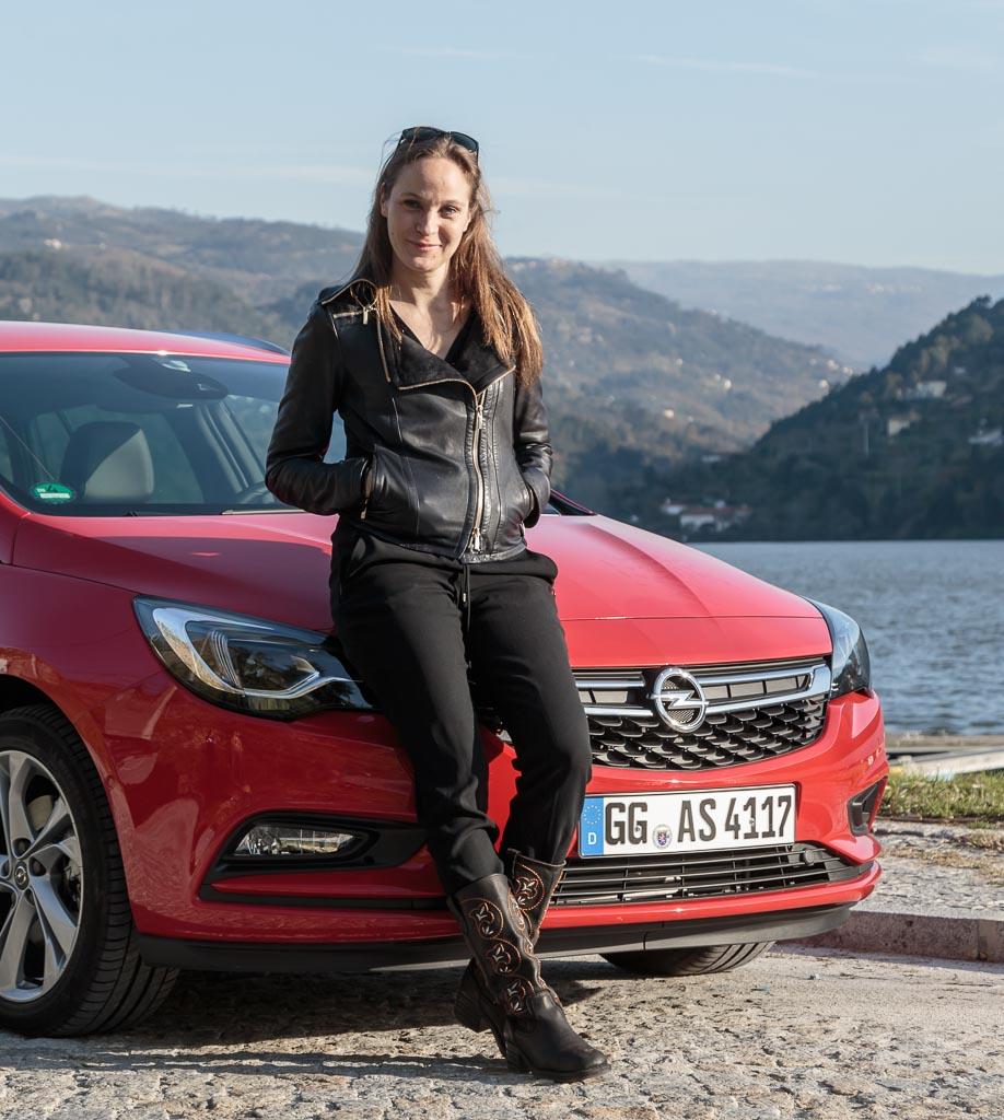 Mit Jeanette Hain Im Opel Astra Sports Tourer Awr Magazin