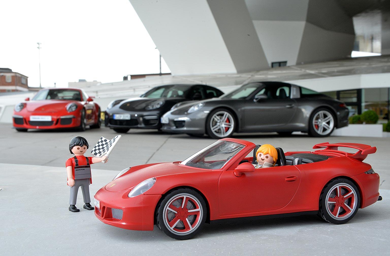 PLAYMOBIL Porsche 911 Carrera S bei Fa. Porsche Stuttgart Zuffenhausen ©  BERNY 19.12.2014 Dezember  berny-meyer t-online.de   0170 2015199   c8f7154b319