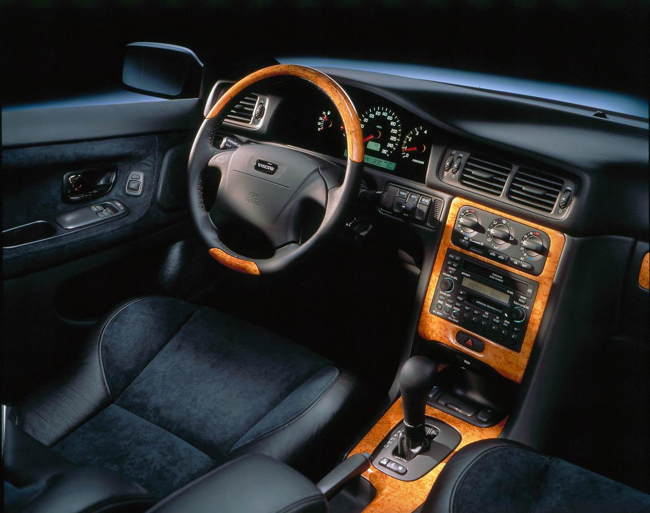 Paris Motor Show 1996 Weltpremiere Volvo C70 Awr Autoweltrevue Foto Coup Interior